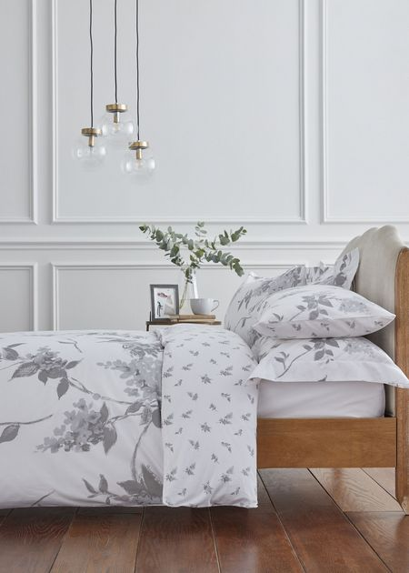 Light Floral Housewife Pillowcases